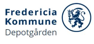 Depotgården er en kreativ oase midt i Fredericia for byens voksne borgere fra 16 år. Der er café, malerværksted, tekstilværksted, pileflet, glas, keramik, stenslibning, træ, metal, bryg, sølv eller kanonlaug og modelbyggeri. Værkstederne er åbne mandag til torsdag fra kl. 9-21 Man kan også være frivillig på de forskellige værksteder.